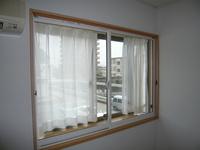 寝室出窓に!出窓は冷気・騒音を大きく集めてしまうのです