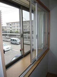 既存窓との内窓設置位置を多く取って効果増!