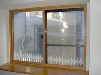 プラマードU+透明ガラス コスト重視の選択です