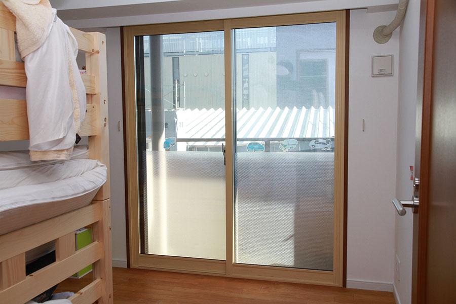 しっかりと調整して気密性の高い内窓の完成
