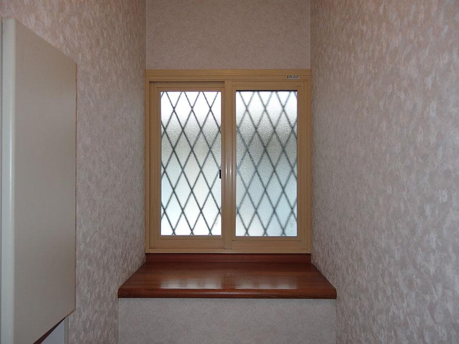 設置された内窓