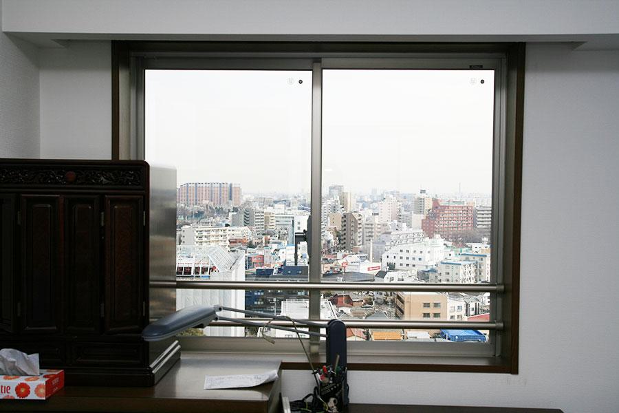 ひどい結露に悩まされていた窓ガラスを真空ガラススペーシアに交換